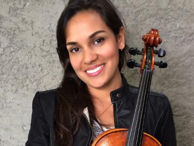 Michely unterrichtet Geige