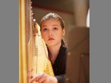 Eva Theresa Schomerus unterrichtet im Fach Harfe